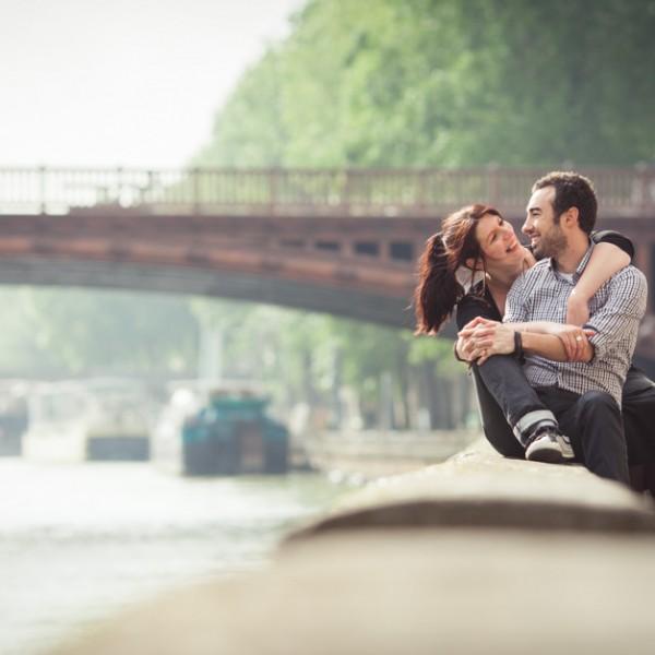 Séance photo engagement dans Paris : Clémence et Cyril
