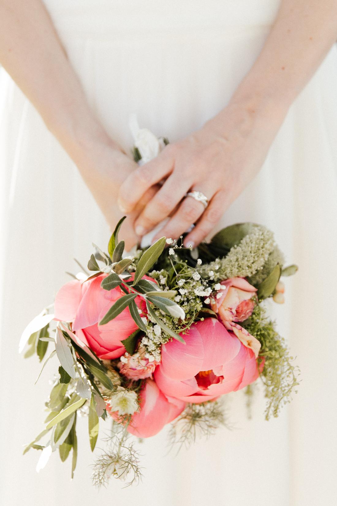 bouquet-mariee-pivoine-photographe-mariage-toulouse