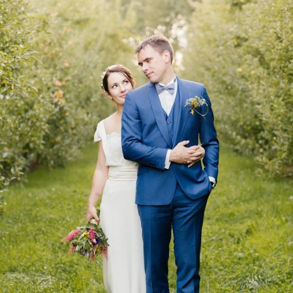 Un mariage cool inspiration multicolore à la Grange des triplés : Aurélie et Clément