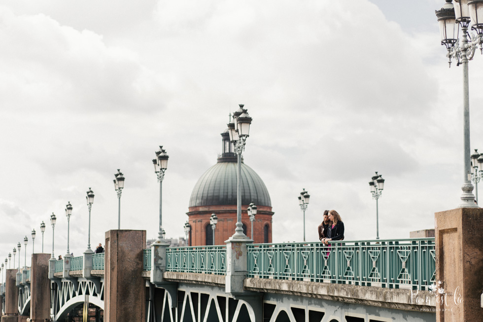 Pam est la photographe mariage : séance photo dans les rues de Toulouse